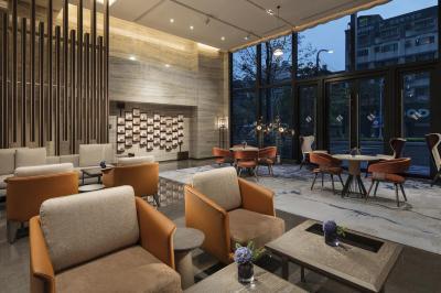 Hilton Taipei Sinban Lobby